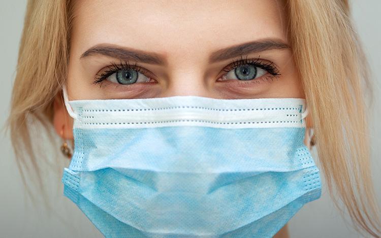 Las consecuencias del uso de las mascarillas en la piel y sus tratamientos