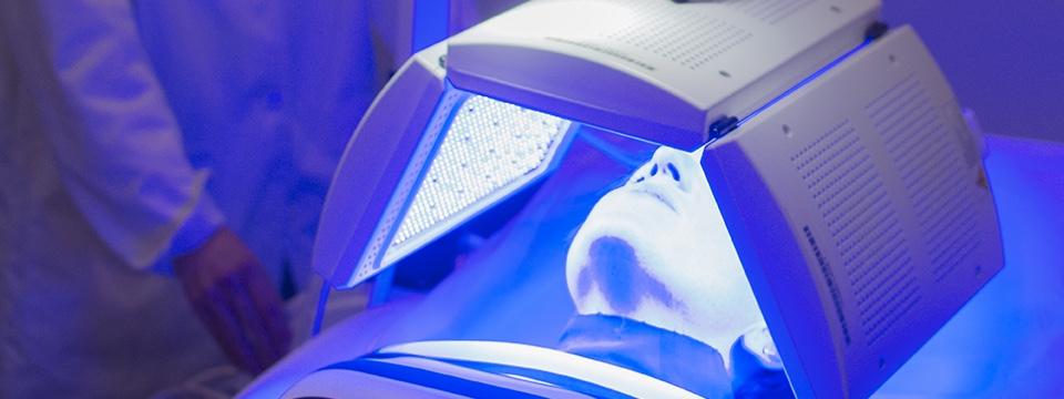 La terapia biofótonica, un revolucionario tratamiento para el acné